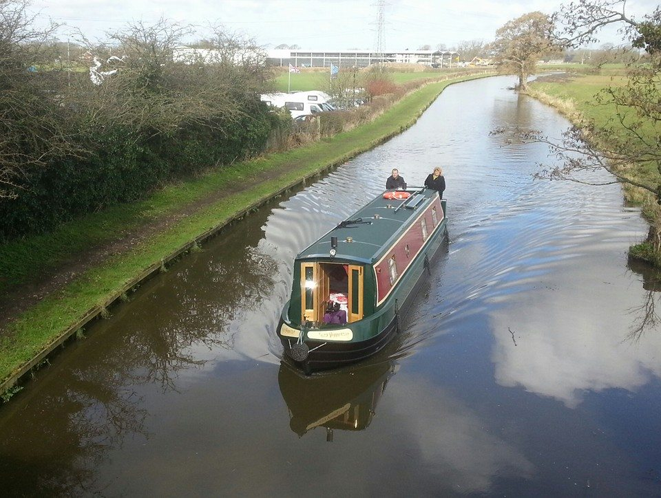 poppy-lancaster-canal-boat-hire-03